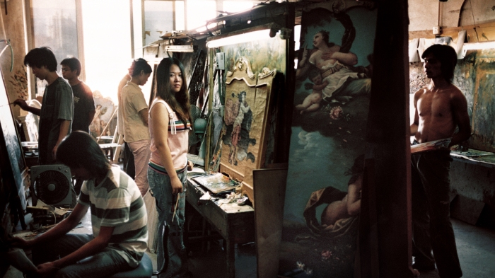 A female painter.©Haibo YU