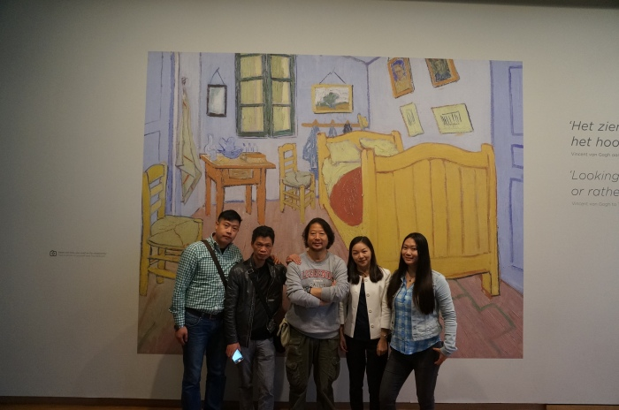 The production team and the main character at Van Gogh Museum.